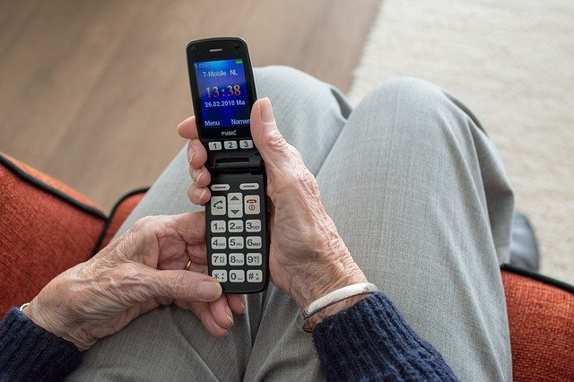 pametni telefoni za starejše
